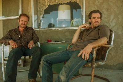 (Left to right) Ben Foster and Chris Pine in HELL OR HIGH WATER. [Via MerlinFTP Drop]